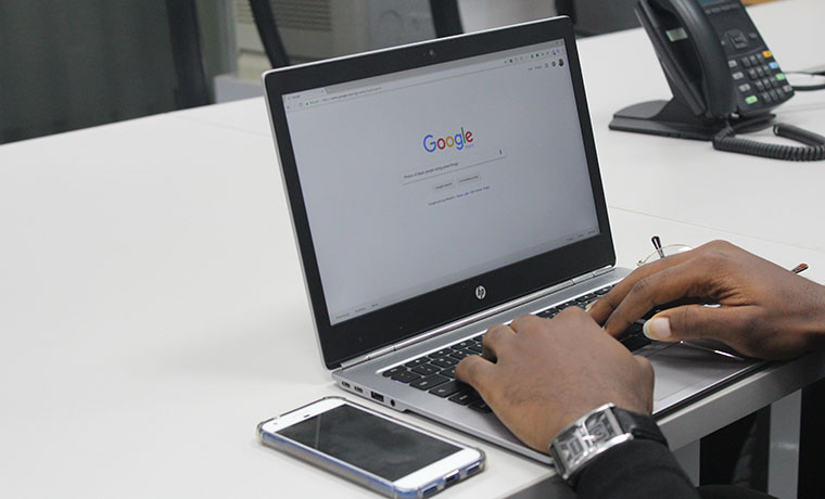 Google Product Search Drops for Fourth Consecutive Month